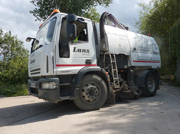 Road sweeper hire from Lanz Group