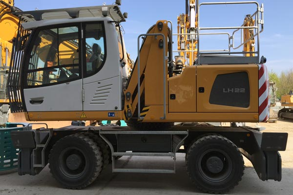 Liebherr LH22 recycling facility equipment